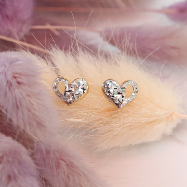Enamoured Heart Earstuds
